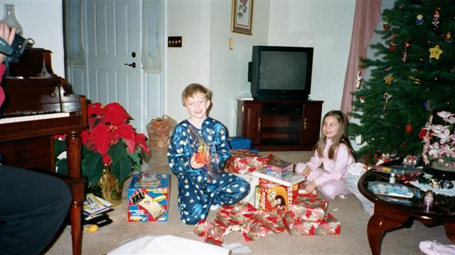 Skrtic Family Web Site - 2000 Christmas: skrtic.com/photoalbum/2000/christmas/pa_2000christmas.html